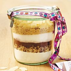 Baking mix in the jar Ingredients for about 15 cookies: In the jar ml): . Chocolate Chip Cookies Ingredients, Perfect Chocolate Chip Cookies, Diy Food Gifts, Jar Gifts, Cookies Im Glas, Creative Food, Us Foods, Food Inspiration, Love Food