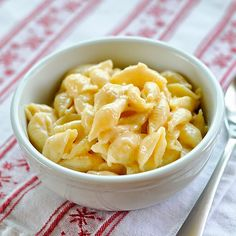 Creamy Macaroni and Cheese on the Stovetop