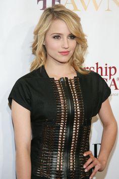 can she be more beautiful? I swear she looks like an angel! #DiannaAgron