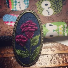 Otomatik alternatif metin yok. Brazilian Embroidery, Clay Earrings, Loafers Men, Hand Embroidery, Needlework, Living Room Decor, My Photos, Coin Purse, Sewing