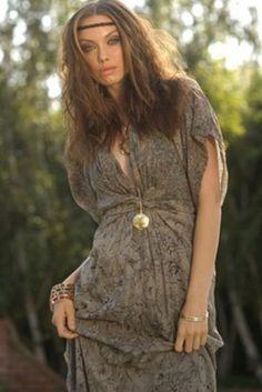 Winter Kate Kimono Dress. Looks so comfortable, it's so romantic. Very stylish. I simply love it.