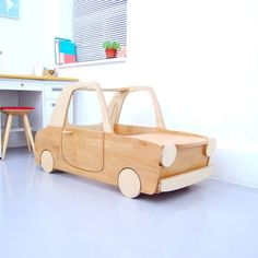 car desk- love this Latest Dining Table, Wooden Car, Kid Desk, Baby Kind, Kids Bedroom, Bedroom Toys, Wood Toys, Kid Spaces, Diy Toys