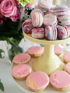Macarons + Bebe