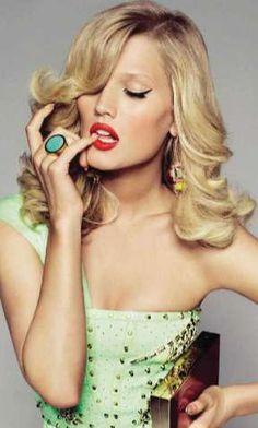 Boisterous Technicolor Editorials - The Vogue Spain 'Million Dollar Baby' Photoshoot is Clamorous (GALLERY)