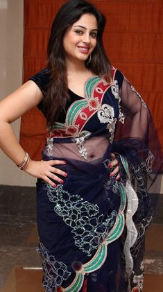 Beautiful Girl In India, Most Beautiful Indian Actress, Beautiful Saree, Beautiful Asian Girls, Beauty Full Girl, Beauty Women, Sonam Kapoor, Deepika Padukone, Beautiful Girl Hd Wallpaper