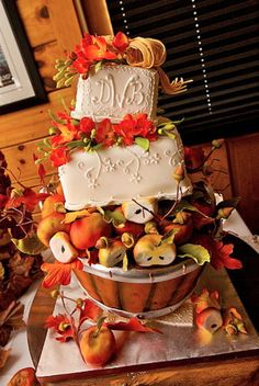 Yes, it's all edible. All of it. And the cake flavor? Pumpkin cake with caramel apple filling and cream cheese frosting.