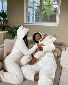 Cute Family, Baby Family, Family Goals, Cute Black Babies, Cute Babies, Baby Kids, Black Love Couples, Cute Couples, Kily Jenner