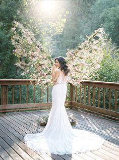 Treehouse Wedding inspiration in Northern, California http://www.trendybride.net/treehouse-wedding-inspiration/ #epic