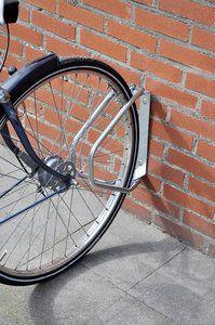 Bicycle Gear Verstelbaar fietsenrek (muurmodel) Voor bevestiging aan (massieve) muur- of wand. Dit rek is 180* verstelbaar. Inclusief bevestigingsmateriaal (2 pluggen en 2 schroeven) ...