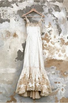 magnificent wedding dress with gold embellishment  Ana Rosa