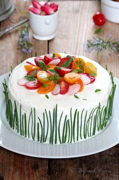Sandwich cake tomate et concombre au basilic. Comme un pain surprise qui fait son effet !. La recette par By acb 4 you.