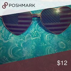 Sunglasses Heart shaped sunglasses with the American flag design in the lenses. Gold rims. Accessories Glasses