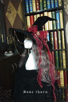 Witch's Astrology~ Lolita Hat For Halloween Halloween Witch Hat, Halloween Items, Halloween Outfits, Halloween Costumes, Witch Hats, Rose Thorns, Old Fashion Dresses, Real Costumes, Black Girl Aesthetic