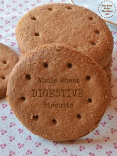 Digestive Biscuits are really just sophisticated graham crackers and are very simple to make. They are delicious with tea and fruit. Digestive Cookie Recipe, Digestive Cookies, Digestive Biscuits, Cookie Recipes, Snack Recipes, Oven Recipes, Vegan Snacks, Biscuit Sans Gluten, Crack Crackers