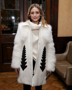 Olivia Palermo Photos Photos - Olivia Palermo attends Sachin & Babi Front Row during New York Fashion Week at The National Arts Club on February 10, 2017 in New York City. - Sachin & Babi - Front Row - February 2017 - New York Fashion Week