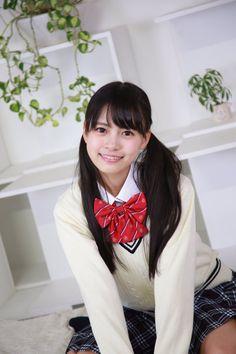 Japanese School Uniform, School Uniform Girls, Girls Uniforms, High School Girls, Beautiful Japanese Girl, School Looks, Teacher Style, Cute Asian Girls, School Fashion