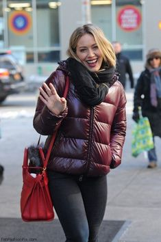 Hilary Duff out and about, New York City February, Hilary Duff Style, Actrices Sexy, Miranda Kerr, The Duff, Fashion Watches, Autumn Winter Fashion, Fall Fashion, Everyday Fashion, Dress To Impress