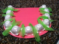 """""""Terrific Teeth"""" - helps teach kids the importance of brushing their teeth and provides a good visual for practicing good oral hygiene. Made with pink construction paper, cut up egg carton (each littl Health Heal, Oral Health, Dental Hygiene, Dental Care, Dental Health Month, Heal Cavities, Health Activities, Dental Floss, Help Teaching"""