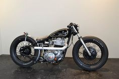 Shallow Motorcycle Shop  SR400