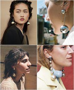 Brincos de Bolota como tendência fashion, além de ir super bem com aquele look mais chique. Um acessório que com certeza faz toda a diferença!