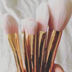 12pcs Professional Makeup Brushes Set Foundation Blusher Powder Eyeliner Brush Rose Gold Metallic Lustre Handle