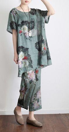 green prints vintage linen plus size t shirt tops and pants, two pieces