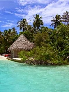Adaaran 'Club' Rannalhi - Rannalhi. Surrounded by clear waters and white sands