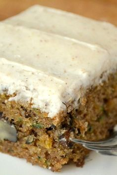 Don't waste your zucchini on anything less than fabulous! My Zucchini Cake with Browned Butter Frosting is moist, rich with nuts, and crowned with the most decadent frosting ---- zucchini never had it so good! 13 Desserts, Delicious Desserts, Dessert Recipes, Yummy Food, Food Cakes, Cupcake Cakes, Zucchini Bread Recipes, Zucchini Desserts, Zucchini Brownies