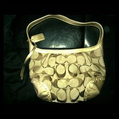Authentic Coach handbag Medium Hobo Beautiful Coach bag purchased from Macys Gold Leather Trim Coach Bags Hobos