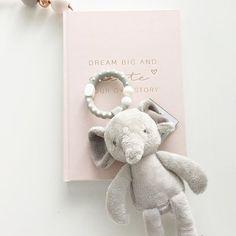 Pari uutta kaveria vauvalle nyt verkkokaupassa ⭐️ Helisevän norsupurulelun ja uniliinapupun löydät