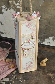 A box for a bottle of wine, made from the Paris Flea Market collection.Many thanks for stopping by!Kind Regards,EwaPion products:Paris Flea Market - Rose du jardin PD 5703FVintage Wedding - Forever and always PD5908B