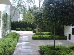 gorgeous backyard of allison nunn.