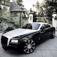 classic rolls royce and bentley cars for sale Rolls Royce Wraith, Rolls Royce Cars, Voiture Rolls Royce, Bmw Classic Cars, Best Luxury Cars, Car Wheels, Vintage Cars, Dream Cars, Super Cars