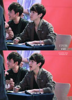 12.04.30 Fansign at Eejungbu (Cr: B'SPECTRA: baekhyun0506.com)