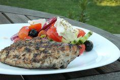 Görög csirkemell görög salátával - csirkemell receptek Greece Food, Feta, Grilling, Turkey, Chicken, Cukor, Turkey Country, Crickets, Cubs
