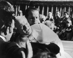 El atentado contra su vida, 13 de mayo 1981  Beato Juan Pablo II  Conoce su vida de santidad en www.aciprensa.com/juanpabloii