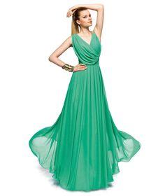 Pronovias te presenta su vestido de fiesta Zaida de la colección Largos 2013.   Pronovias