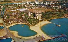 The Hawaiian Village Hotel around 1958 based on the presence of the 1958 Village Tower and absence of the 1960 Diamond Head Tower mauka of the Ocean Tower. Cancun Hotels, Beach Hotels, Beach Resorts, Oahu Vacation, Village Hotel, Hawaii Pictures, Hawaii Homes, Vintage Hawaii, Honolulu Hawaii