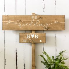 Rustic Feel, Rustic Charm, Rustic Style, Wooden Wedding Signs, Country Barn Weddings, Arrow Signs, Welcome To Our Wedding, Guest Book Alternatives, Modern Calligraphy