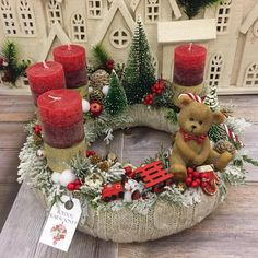 Adventi koszorúk és még sok más – Villa Majolika - Home Decor Ideas Christmas Tree Village Display, Christmas Advent Wreath, Christmas Candle, Christmas Wood, Christmas Crafts, Rose Gold Christmas Decorations, Christmas Arrangements, Christmas Flowers, Christmas Centerpieces
