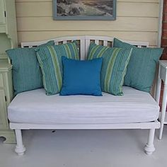 Pin for Later: 9 Stylish Ways to Repurpose Your Crib Porch Bench Melanie of The Old White Cottage actually created this adorable outdoor bench from two cribs. Old Baby Cribs, Home Diy, Home, Cribs, Furniture, Baby Cribs, Old Cribs, Crib Mattress, Repurposed Furniture