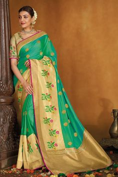 Teal And Gold, Teal Green, Silk Sarees With Price, Kanjivaram Sarees, End Of Season Sale, Indian Heritage, Unique Bags, Pink Saree, Traditional Looks