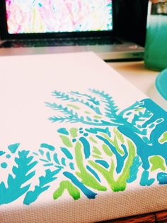 Great idea, painting Lilly Pulitzer patterns onto a canvas for home decor! Nifty Crafts, Diy And Crafts, Arts And Crafts, Diy Canvas, Canvas Wall Art, Canvas Crafts, Diy Wall Art, Diy Art, Lilly Pulitzer Prints