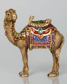 Duncan Camel Figurine by Jay Strongwater at Horchow. Animal Sculptures, Lion Sculpture, Camel Craft, Image Jesus, Middle Eastern Art, Jay Strongwater, Elephant Figurines, Arabian Nights, Creations