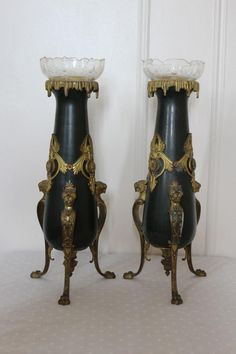 Vases Frame With Pair Of Gilt Bronze And Crystal XIX Time., Antiquités JPB, Proantic