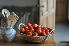 Stories about a big old house in the country. Curiosity Killed The Cat, The Mind's Eye, Harvest Time, Lunar Chronicles, Simple Gifts, Veggie Recipes, Veggie Food, Eating Well, Scarlet