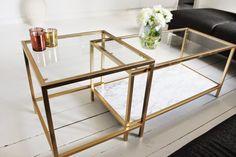 DIY IKEA bord sprayet med guld og wallpaper