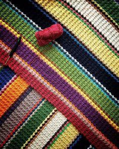 The end is near #crochet #virka #häkeln #crochetersofinstagram #c2c #cornertocorner #crochetblanket #colours #colourful #progress #project #schachenmayrcatania #schachenmayr #theendisnear #crochetaddict #latenightcrochet