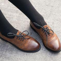 5d1078418e93c9 Ladies Vintage FAUX Leather Round Toe Lace Up Brogues Womens Riding Shoes  oxford