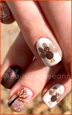 Thanksgiving Nail Designs, Thanksgiving Nails, Fall Nail Art Designs, Cool Nail Designs, Fancy Nails Designs, Holiday Nail Designs, Seasonal Nails, Holiday Nails, Autumn Nails